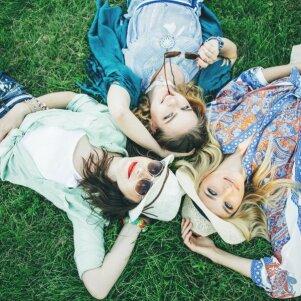 Geri draugai taip nedaro: jei taip elgiasi tavieji, pagalvok, ar jie verti draugų statuso