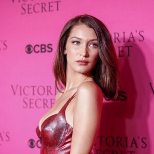 Bellos Hadid suknelė suglumino - gundantis drabužėlis ar beskonė vulgarybė?