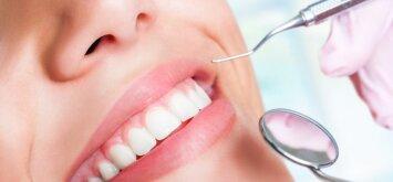 Kaip atsitraukusios dantenos gali visiškai sugadinti jūsų dantis