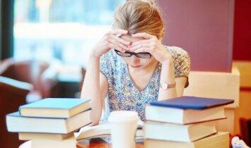 """Egzaminai: gudrybės, kaip """"neskausmingai"""" jiems pasiruošti"""