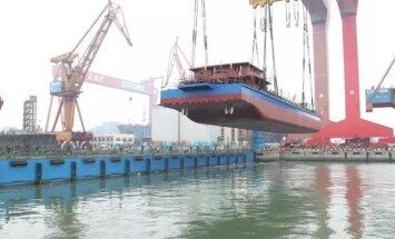 Elektrinis Kinijos krovininis laivas