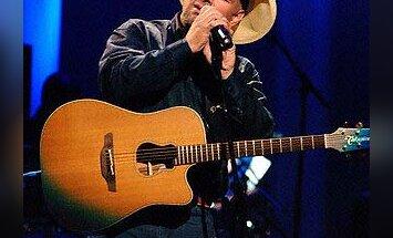 Garthas Brooksas, country muzikos legenda
