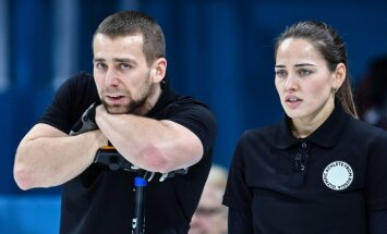 Aleksandras Krušelnickis su žmona