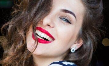 Blogas burnos kvapas neatsiranda iš niekur. Higienistės patarimai, kurie pravers kiekvienai