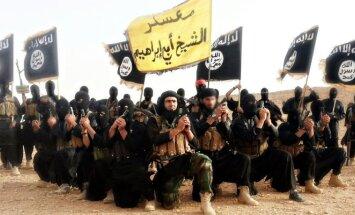 Islamo valstybės (ISIS) kovotojai.