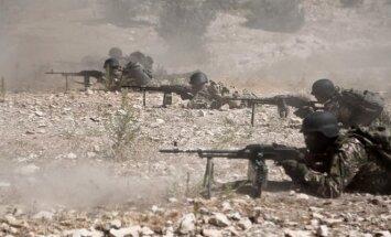 Sirijos sukilėliai rengiasi Idlibo gynybai