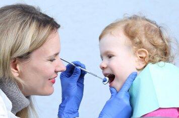 Vaikas ir odontologas: 5 svarbūs patarimai tėvams