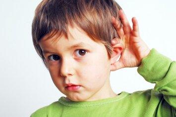 Atlėpusios vaiko ausys: kada reikia operuoti?