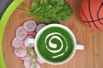 Neišmeskite ridikėlių lapų – išvirkite gardžios sriubos