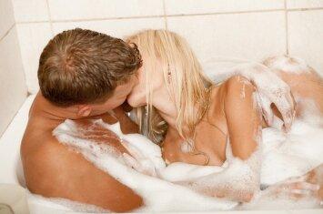 Seksologas: kaip po gimdymo nesužlugdyti intymumo