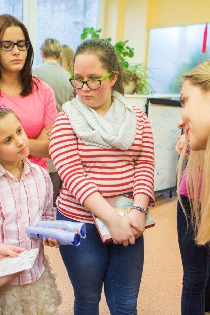 PANELĖS komanda vaikų namuose įkvėpimu dalijosi su mažosiomis moterimis