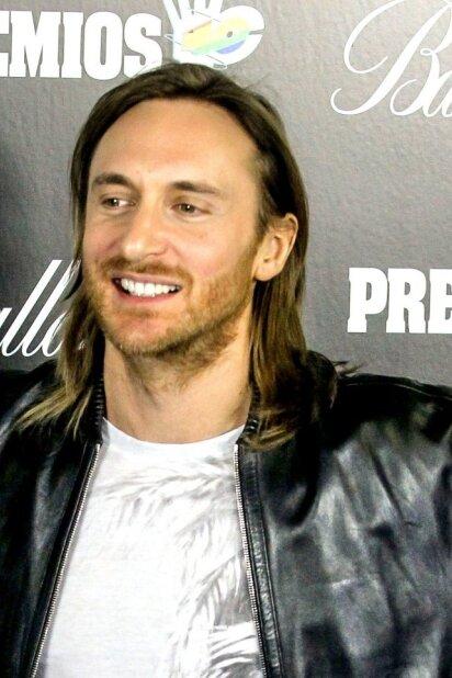 Davido Guettos mylimoji - dieviško grožio tamsiaplaukė (FOTO)
