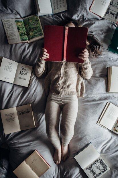 KONKURSAS BAIGTAS. Įstok į PANELĖS knygų klubą ir laimėk vasario mėnesio knygas!