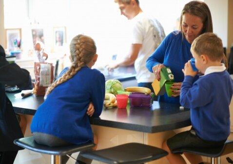 Ekspertai baigė vertinti mokyklų ir darželių maistą: rezultatai stebina