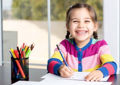 Emocijos mokykloje ir namuose: kaip padėti vaikams jas pažinti