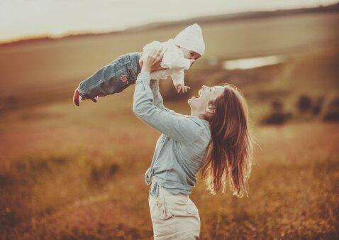 Tėvų baimės: kaip jų atsikratyti ir išmokti džiaugtis šiandiena