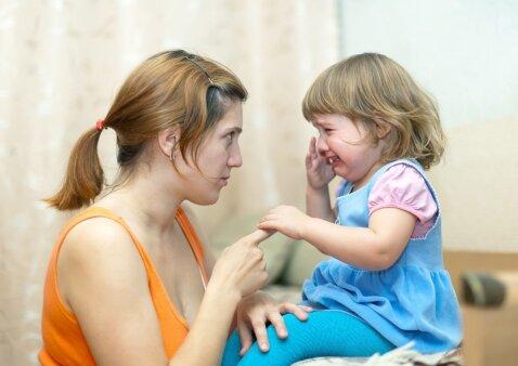 Psichologė – apie vieną skausmingiausių šiuolaikinių tėvų klaidų