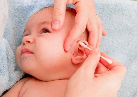 Dažniausia ausų valymo klaida: kodėl ji kelia pavojų