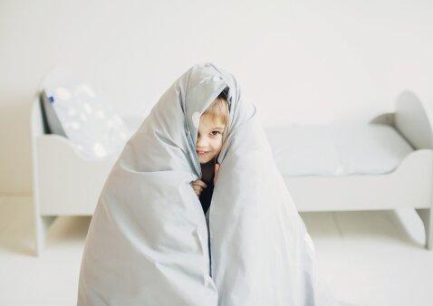 5 patarimai, kad vaikas lengvai užmigtų ir miegotų naktį nepribusdamas