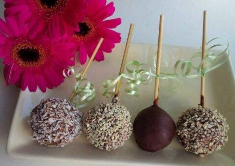 """Mama Rita dovanoja žaliavalgiškų saldainių receptą <sup style=""""color: #ff0000;"""">FOTO</sup>"""