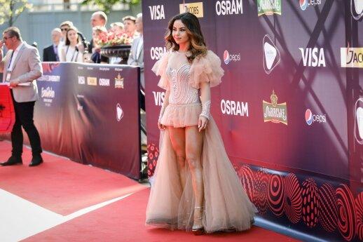 """Raudonas """"Eurovizijos"""" kilimas: ne visiems pavyko sublizgėti (FOTO)"""