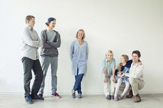 3 vaikus namie pagimdžiusi Jūratė: kartu priimdama naują narį, šeima tvirtėja