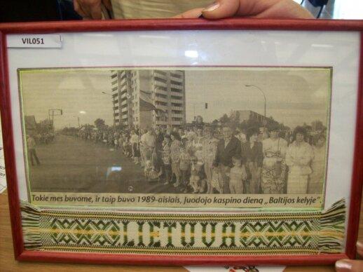 1989-iesiems atminti: nuotraukos, iškarpos ir širdžiai brangūs daiktai