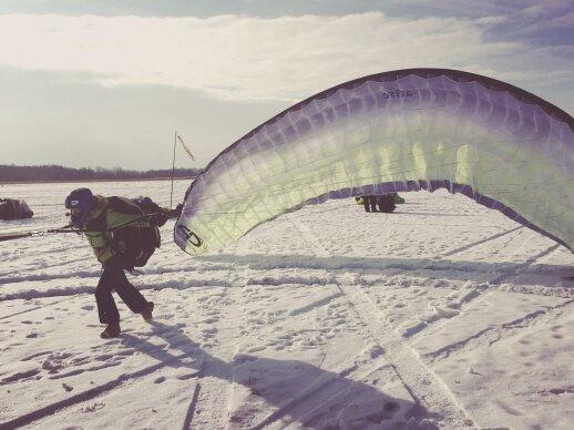 Pilotai Lietuvos nepriklausomybę minės oro šventėje Trakuose