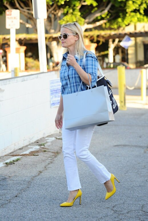 Stiliaus gidas: kaip dėvėti ir su kuo derinti šį sezoną madingą geltoną? (FOTO)