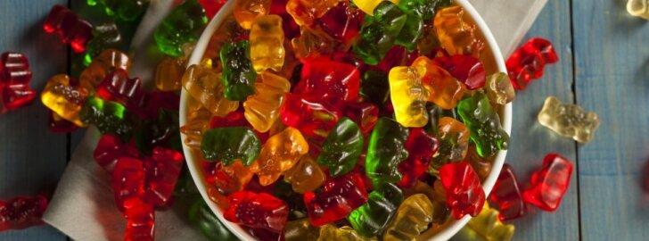 """Po šių vaizdų tikriausiai <span style=""""color: #c00000;"""">niekada nebenorėsi</span> valgyti guminukų"""