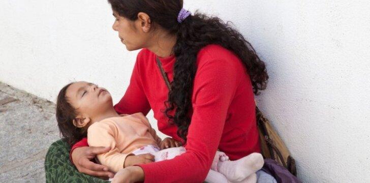Žiauri realybė... Kodėl elgetų vaikai beveik visą laiką miega