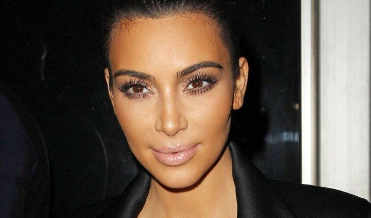 Dėl naujos Kim Kardashian antrininkės pasaulis eina iš proto (FOTO)