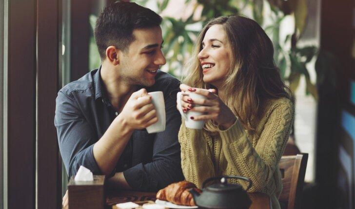 7 auksiniai patarimai, kaip įveikti atstumą ir santykius net sustiprinti