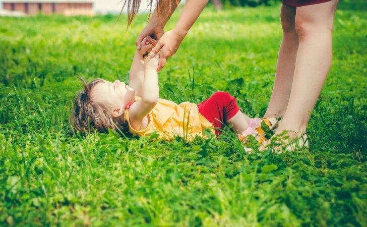 Ką iš tiesų reiškia auginti vaikus ir būti MAMA
