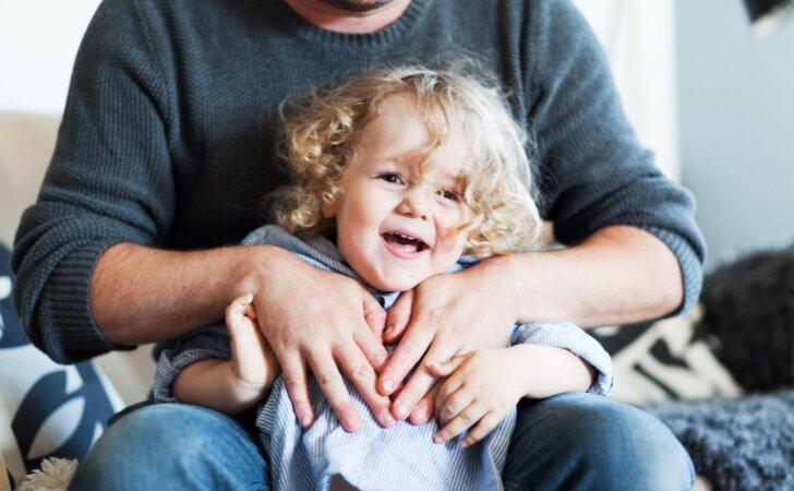 Kaip auklėti vaikus be riksmų ir bausmių