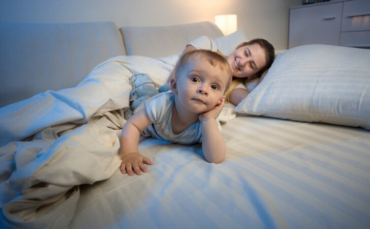 Mamų patirtys: kaip įpratinti vaiką išmiegoti visą naktį