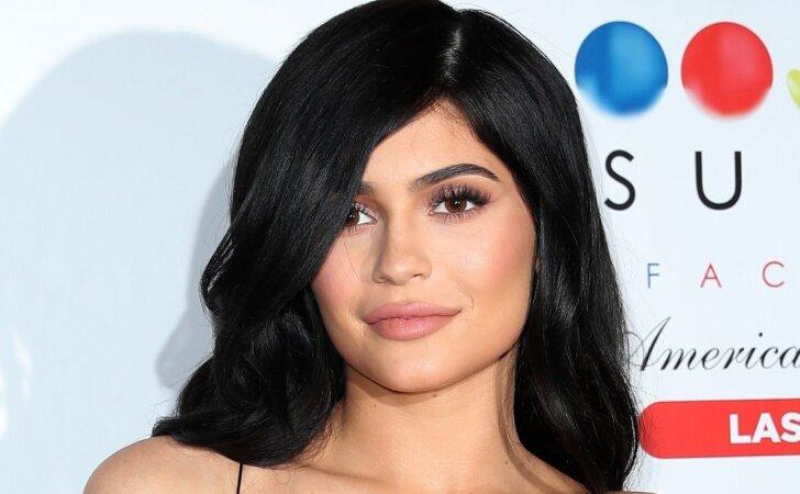 Neseniai mama tapusi Kylie Jenner sulaukė kritikos strėlių