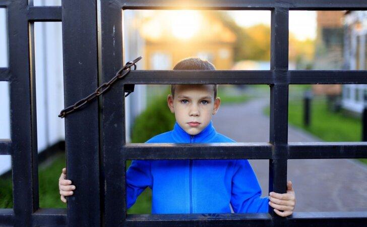 Vienas populiarus auklėjimo metodas kenkia vaikams labiau už viską