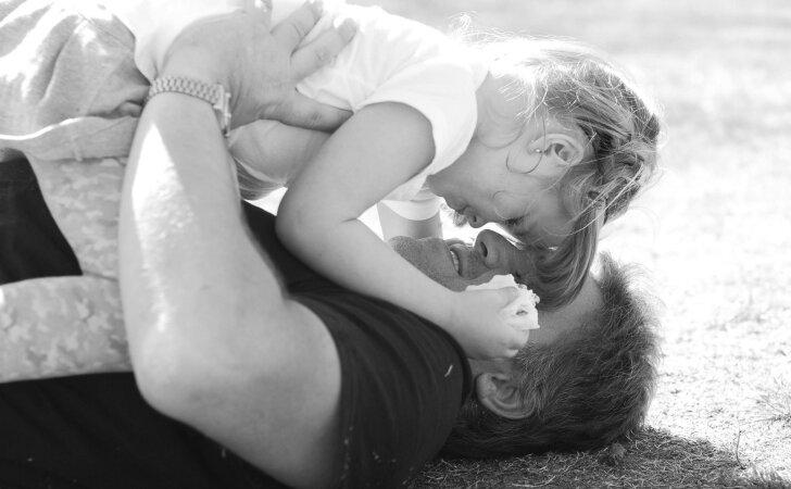 Vienišas tėtis įamžino savo meilę dukrytei ir sulaukė tūkstančių internautų palaikymo
