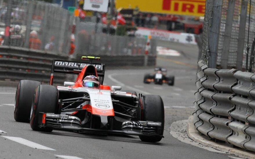 """Maxas Chiltonas iš """"Marussia"""" komandos"""