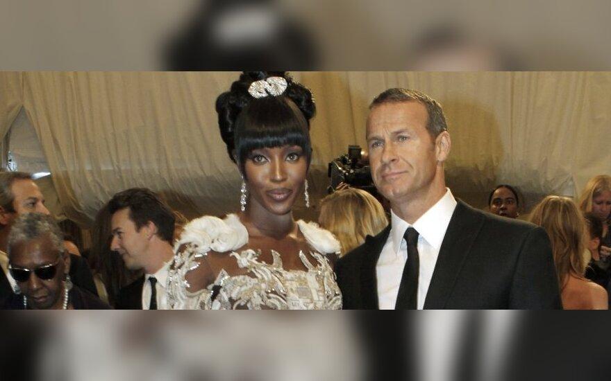 Modelis Naomi Campbell su mylimuoju Vladislavu Doroninu.