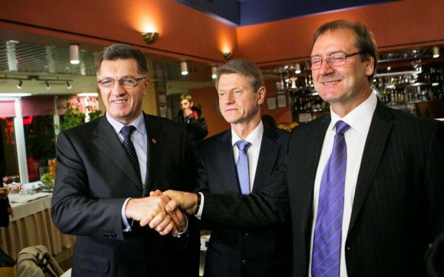 Коалиция: Буткявичюс -премьер, Успасских - член команды правительства, Паксас - евродепутат