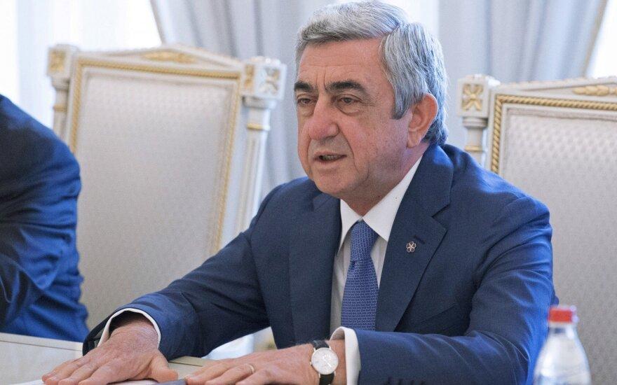 Протестующие добились своего - премьер Армении подал в отставку
