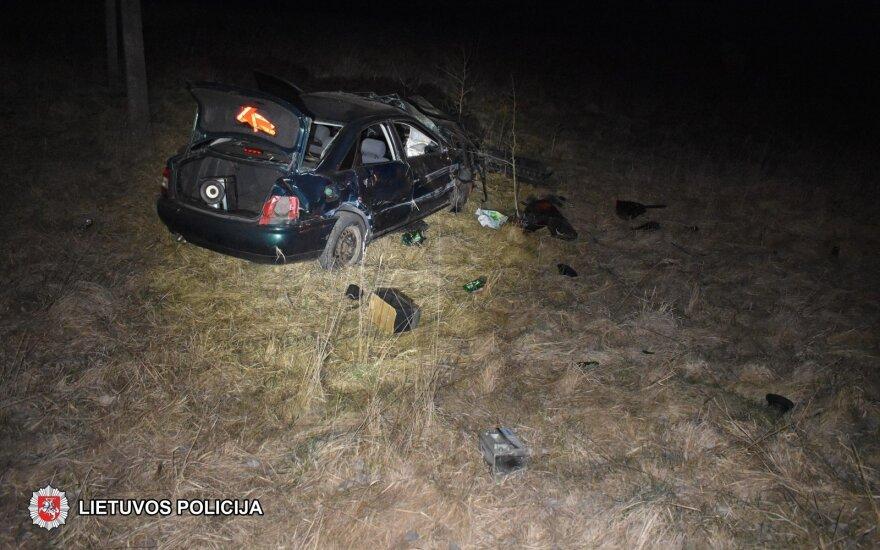 С дороги съехал бежавший от полиции пьяный водитель