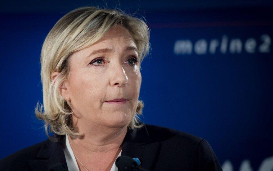 Экс-помощник Ле Пен обвиняет ее партию в финансовых нарушениях