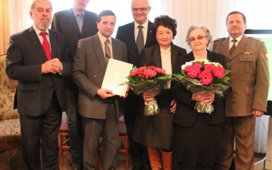 Polska pamięta – uroczystość wręczenia aktów mianowania na stopień kapitana dla weteranów AK. Źródło: Ambasada RP w Wilnie