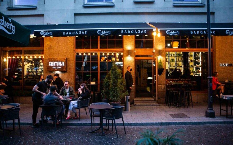 С понедельника сокращается время работы баров и ресторанов