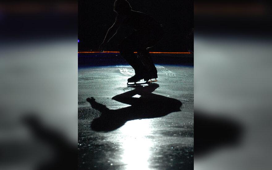 Čiuožimas, ledas, pačiūžos, šešėlis