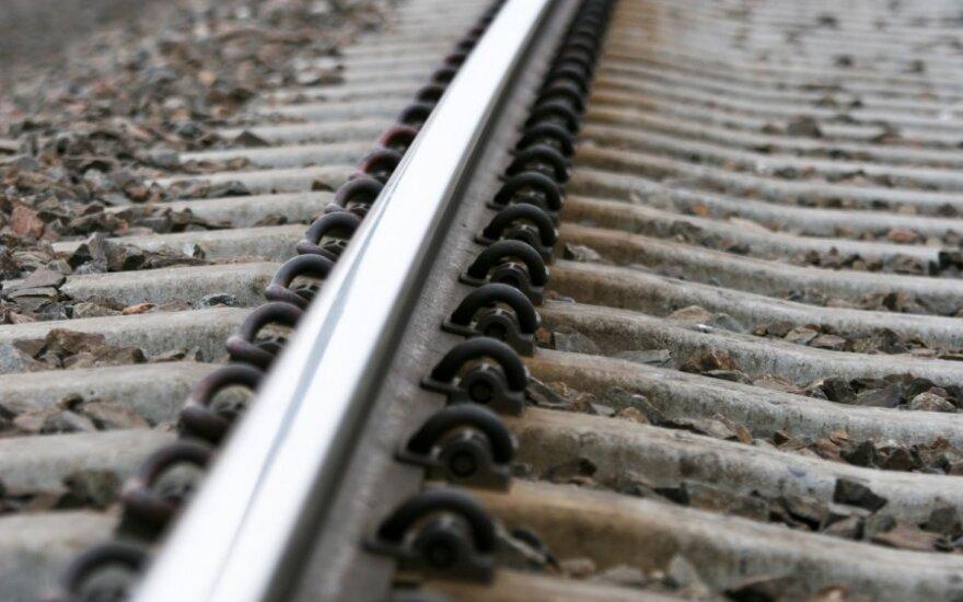 В столице США возле станции метро перевернулся поезд с химикатами, порвав газопровод