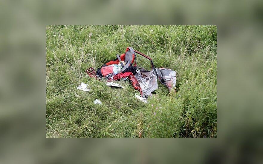 Под Вильнюсом в реку съехал Mercedes, погибла женщина с ребенком